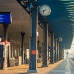Schweiz: Fast alle Bahnhöfe sind leer am morgen